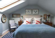 A list of interior design projects by West London interior design practice Anna Haines Design. Cosy Bedroom, Bedroom Loft, Blue Bedroom, Eaves Bedroom, Hotel Bedroom Decor, Design Bedroom, Style At Home, Room London, London Living Room