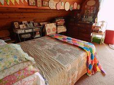Summer bed, granny chic decor
