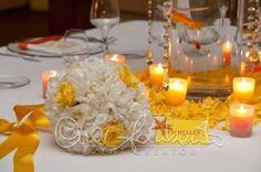 Bouquet estivo, colorato e frizzante per un esclusivo matrimonio in spiaggia.
