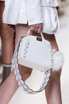 prada handbags on sale Prada Handbags, Fashion Handbags, Purses And Handbags, Cheap Handbags, Sacs Design, Bags 2017, Louis Vuitton, Luxury Bags, Luxury Handbags