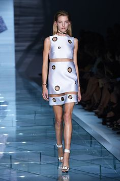 Pin for Later: Donatella Versace's Sparkling Runway Shines Bright Like a Diamond Versace Spring 2015