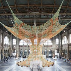 """Hand-Crocheted Tree """"Grows"""" Inside Zurich's Central Train Station Textile Sculpture, Tree Sculpture, Sculptures, Fabric Installation, Art Cube, Ephemeral Art, Inside Art, Hips And Curves, Textile Museum"""