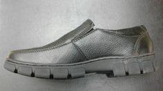 No te puedes perder éstos #zapatos hechos 100% de #cuero natural.  Tallas: 40 al 44 Precio $ 25000/par  Entregas en cualquier estación de metro ¡el más cercano a tu domicilio! Costo de despacho a regiones es a cargo del comprador, envíos desde #santiagodechile  Contacto directo por whatsapp +56967605480  #chile #santiagodechile #valparaiso  #temuco #concepcionchile #regiondelbiobio #regiondeloslagos #regiondelmaule #regiondelosrios
