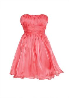 I WANT THIS DRESS SO BAD!! I wish I could where more then one dress to the dinner!