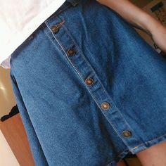 button-up jean skirt | fashion // pinterest: joiespooks