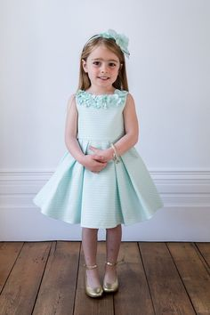 Do you need a luxury dress for less? 👗 Gift your little girl with one of our discounted designer dresses and put a smile on her Sunday! Pink Party Dresses, Girls Party Dress, Day Dresses, Wedding Dresses, Cute Little Girl Dresses, Dresses Kids Girl, Flower Girl Dresses, Kids Bridesmaid Dress, Printed Bridesmaid Dresses