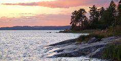 Naturpark Ladogaschären (Ladoschskije schchery). Шхеры — группа лобастых каменистых островков, разделённых проливами Celestial, Mountains, Sunset, Beach, Water, Travel, Outdoor, Russia, Gripe Water