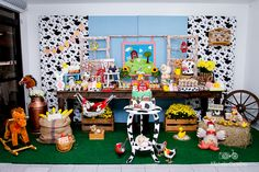 http://michellecastilho.com/gabriel-1-ano-decoracao-fazendinha-2/