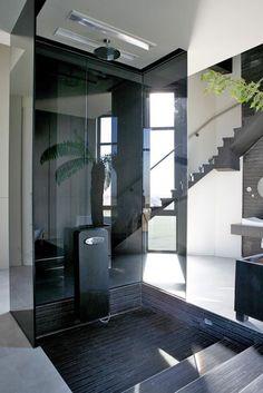Depósito de agua reconvertido en una casa de lujo