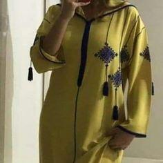 . #caftanmarocain #caftan #caftan2019 #marocains #mariage #fes #essaouira #casablanca #agadir #jabador #modern #jalaba #beldi #djelaba Caftan Gallery, Sparkly Wedding Shoes, Bridal Shoes, Hijab Fashion, Fashion Outfits, Fashion Shoes, Kaftan Abaya, Embroidery Suits Design, Moroccan Caftan
