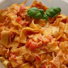 Rezept Paprika Sahne Nudeln von Mrs.Tom - Rezept der Kategorie sonstige Hauptgerichte