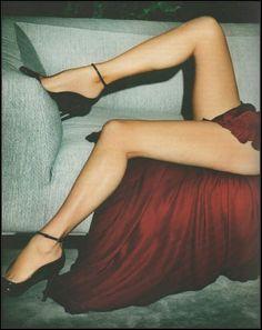 Kate Moss by Mario Testino for Vogue Paris, October 2012 Accessorise with legs Mario Testino, Kate Moss, Vogue Paris, Vogue Uk, Markova, Inspiration Mode, Red Aesthetic, Beautiful Legs, Sensual