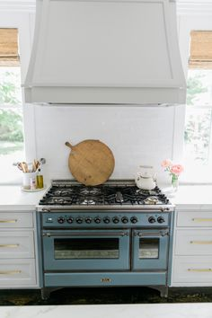 The ILVE Majestic Range-Love at first sight - Finding Lovely Range Cooker Kitchen, Kitchen Oven, Kitchen Hoods, Kitchen Paint, New Kitchen, Kitchen Design, Kitchen Ideas, Kitchen Cabinets, Kitchen Appliances