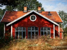 〚 Wonderful Swedish country cottage with soulful interiors, where the time has stopped 〛 ◾ Photos ◾Ideas◾ Design - Amela England Scandinavian Cottage, Swedish Cottage, Swedish House, Swedish Decor, Scandinavian Design, Country Style Homes, French Country House, Country Houses, Wooden Panelling