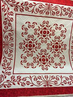 'Red December' Finished Size 74 x 74 inches I designed this quilt to fully satisfy my desire for a a design that would look sophis. Two Color Quilts, Blue Quilts, Appliqué Quilts, Quilt Patterns Free, Applique Patterns, Antique Quilts, Vintage Quilts, Quilting Projects, Quilting Designs