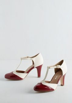 Peggy's red and white shoes from the S2 premiere are by Chelsea Crew, available on ModCloth. IDed by the Agent Carter cosplay group on Facebook. Thanks to Megan for pointing me in the right direction!