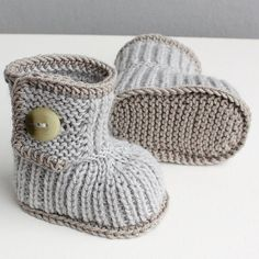 Knitted Winter Baby boots ready to wear size by fattoamanoinitaly
