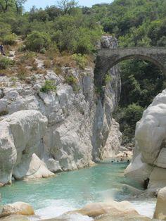 Gilette - Pont de la cerise, france