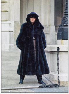 Madame - Fur Fashion guide- Furs fashion Photo Gallery