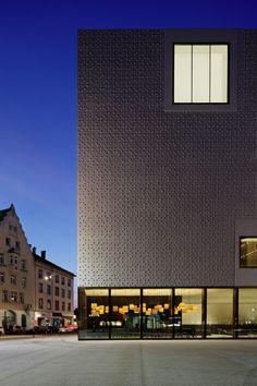 Voralberger Landesmuseum eröffnet / Betonblüten in Bregenz