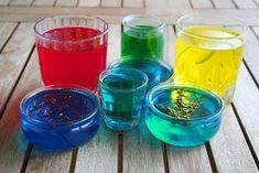 és a másik fél liter vizet is öntsük hozzá. Shot Glass, Tableware, Kitchen, Diy, Crafts, Craft Ideas, Magic, Nails, Christmas
