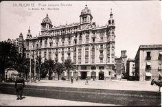 Plaza de Joaquin Dicenta. Fachada principal de la casa Carbonell en la actualidad Plaza del Mar Año: 1930