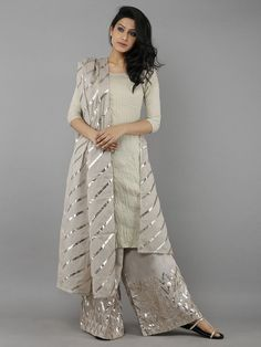 64 Ideas For Dress Nigth Wedding Robes Stylish Dresses, Casual Dresses, Fashion Dresses, Dresses For Work, Pakistani Dresses Casual, Pakistani Dress Design, Indian Attire, Indian Outfits, Look Fashion