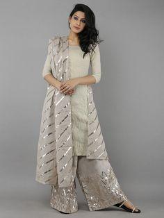 64 Ideas For Dress Nigth Wedding Robes Stylish Dresses, Casual Dresses, Fashion Dresses, Dresses For Work, Pakistani Dresses Casual, Pakistani Dress Design, Pakistani Suits, Kurti Designs Party Wear, Kurta Designs