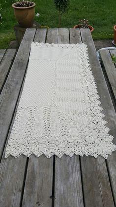 Royale svøb hæklet. Royal blanket, crocheted. Drops baby alpaca silk Bebek battaniyesi, tığ işi opskrift: http://sadelrummet.dk/strikke-og-haekle-hjoernet-53/opskrift-the-royal-haeklet-babysvoeb-pdf-til-download-een-gang-p870