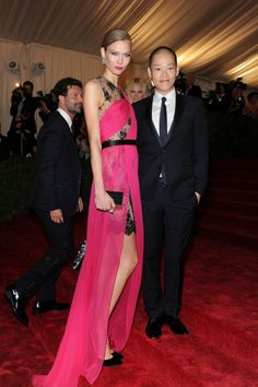 Karlie Kloss style file gallery - Vogue Australia