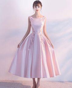 Elegant pink satin mid length bridesmaid dress, pearl halter homecoming dress from Girlsprom Pink Prom Dresses, Lace Bridesmaid Dresses, Dresses Uk, Dresses For Teens, Homecoming Dresses, Pretty Dresses, Pink Dress, Beautiful Dresses, Vintage Dresses