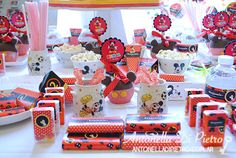 Candy bar, table dessert, fiesta de mickey, mickey party, mickey mouse party http://antonelladipietro.com.ar/blog/2013/05/mickey-mouse-sole-villarreal/