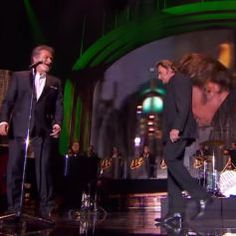 Johnny Hallyday bat des records, deux semaines après sa mort - Purepeople Eddy Mitchell, Millenium, Le Concert, French, Photos, Rocker Girl, Dancing With The Stars, Death, Pictures