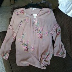 DanielRainn top Sheer Rose beige top with flower pattern and attached cami underneath. Tie at front top can be tied or left open. Daniel Rainn Tops Blouses