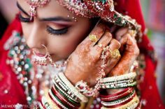 Beautiful | Image courtesy by Memoirz Photography ! #southasianbride #southasianwedding #desibride | Discover more south asian wedding inspiration at www.shaadibelles.com