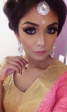 Look for party or bridal, with kind of pinks and gold tones, for more looks follow nimmj on Instagram