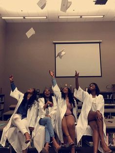 ALL MY GRADUATES STAND TF UP PERIOD ❤️ I'm proud of y'all ! Career Goals, Squad Goals, Best Friend Goals, Best Friends, Nursing Goals, My Academia, Life Goals Future, School Motivation, Graduation Pictures