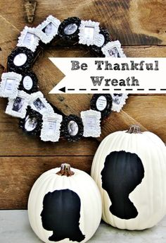 How to make a thankful wreath for your family. Add quotes of what you are thankful for and attach to a grapevine wreath. Create your own thankful wreath. Frame Wreath, Diy Wreath, Wreaths, Grapevine Wreath, Wreath Ideas, Thanksgiving Tree, Thanksgiving Traditions, Thanksgiving Tablescapes, Picture Wreath