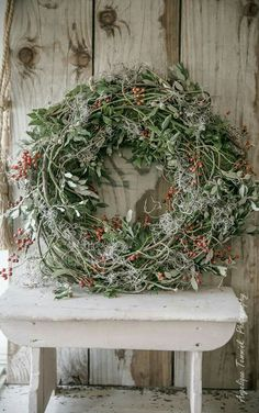 Fr @ loves this📌🌟Advent sick to fall in love with . Fr @ loves this📌🌟Advent sick to fall in love with - Christmas Door Wreaths, Noel Christmas, Rustic Christmas, Christmas Crafts, Christmas Decorations, Xmas, Diy Spring Wreath, Diy Wreath, Wreath Making