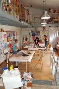 MOORE: Espacio abierto, mesas limpias