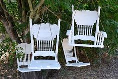 Vintage Chair, wooden swing, white, garden, designed by Rita Reade ~ Mammabellarte Old Wooden Chairs, Old Chairs, Vintage Chairs, Outdoor Chairs, Outdoor Decor, Outdoor Play, Cafe Chairs, Adirondack Chairs, Outdoor Living