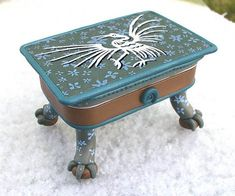 Altoids tins: See Site for more altered Altoid boxes Polymer Clay Projects, Polymer Clay Creations, Polymer Clay Art, Clay Crafts, Altered Tins, Altered Art, Shadow Box, Matchbox Crafts, Clay Box