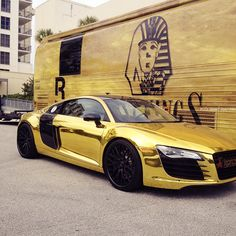 Black and gold Audi R8.