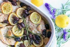 Mediterranes Zitronenhuhn - Mediterranean Lemon Chicken #lemon #chicken #olives #oliveoil #zitrone #huhn #oliven #olivenöl Food Blogs, Foodblogger, Lifestyle Blog, Ethnic Recipes, Meat, Mediterranean Kitchen, Few Ingredients, Complete Nutrition