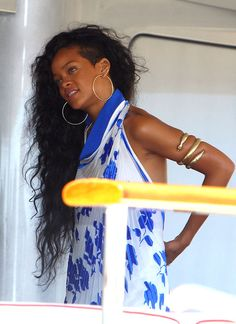 Rihanna& style in south of france Shaved Sides, Shaved Head, Half Shaved, Shaved Side Hairstyles, Weave Hairstyles, Hairdos, Long Hair Dos, Curly Hair Styles, Natural Hair Styles