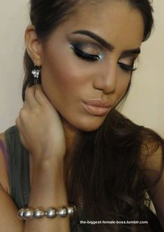 love this makeup with such great contouring <3