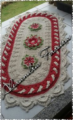 Crochet Wall Hangings, Crochet Curtains, Crochet Doilies, Knit Crochet, Cool Patterns, Crochet Patterns, Throw Rugs, Throw Pillows, Crochet Table Runner