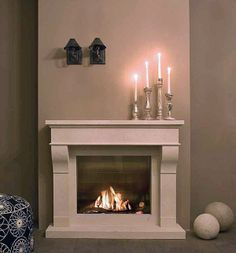Caminetti: Caminetto Fairo 75 da Kal ....l'eleganza...... Stone Fireplace Mantel, Classic Fireplace, White Fireplace, Fireplace Surrounds, Fireplace Design, Living Room Red, Living Room With Fireplace, Living Room Decor, Bedroom Corner