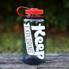 """Every explorer's gotta stay hydrated."" The KE Nalgene doesn't mess around. Its canyon-wide mouth and 32oz. capacity are guaranteed to stop thirst dead in the water. 100% BPA-Free, single-wall constru"