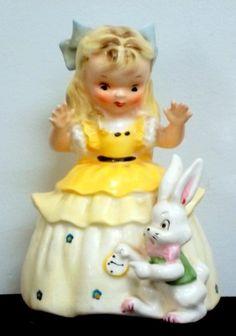 Vintage 1956 Napco 'Alice in Wonderland' Nursery Rhyme Figurine S1492B (04/18/2015)